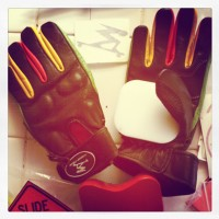 "Slide Glove Review: Timeship Racing ""The Kody's"""
