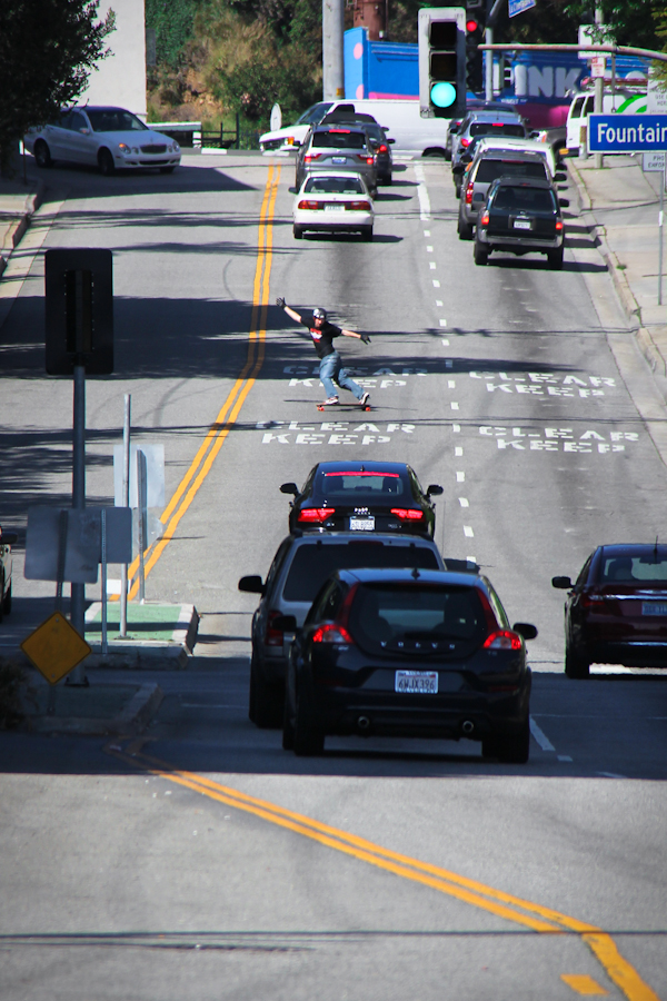 James Kelly playing in Hollywood traffic. Photo: Will Bacey.