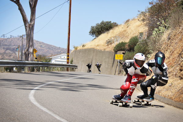 Tyler Howell and El Beasto fighting for that inside line. Photo: Bandy.
