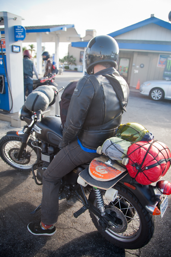 One more gas pitstop. photo: Ruano.