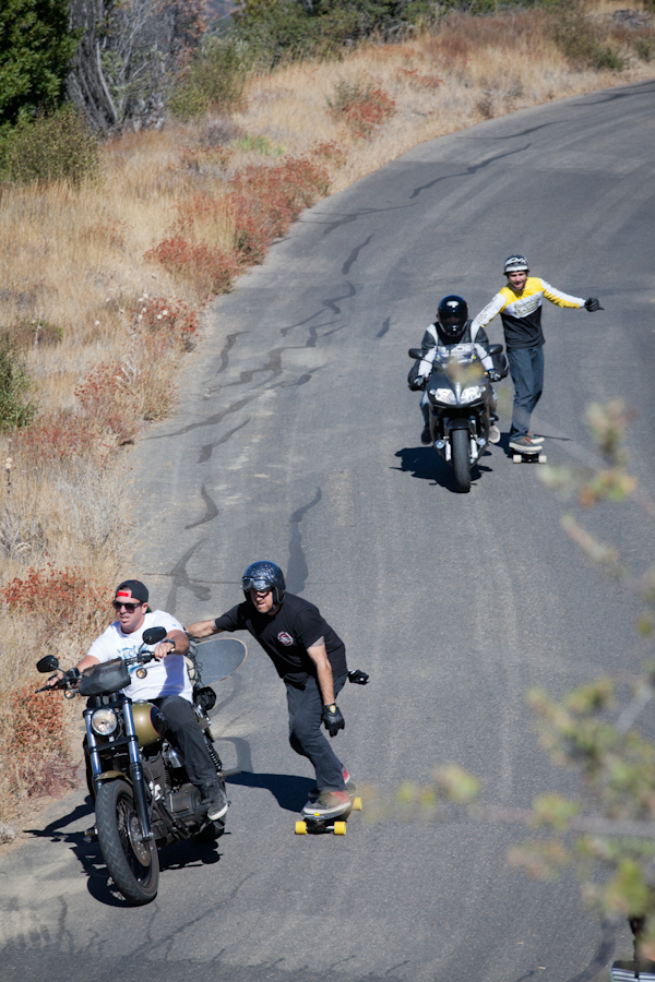 Moto skitching. Yeah, that's a thing. Photo: Ruano.