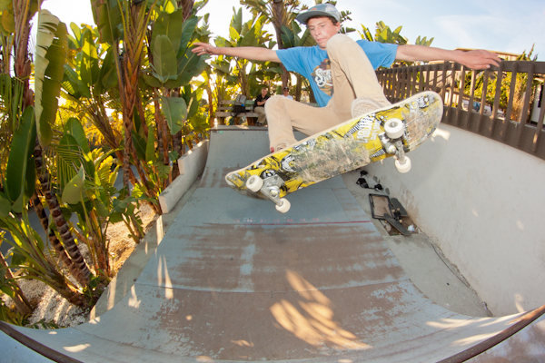 Ollie poppin'. Photo: Bandy.