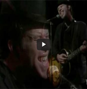 "Tom Waits ""A Sweet Little Bullet"" (Live)"